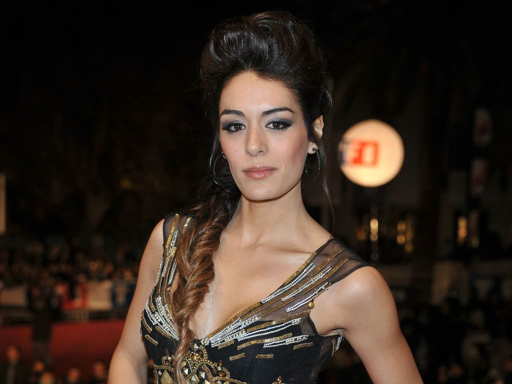 Sofia Essaïdi en robe décolletée