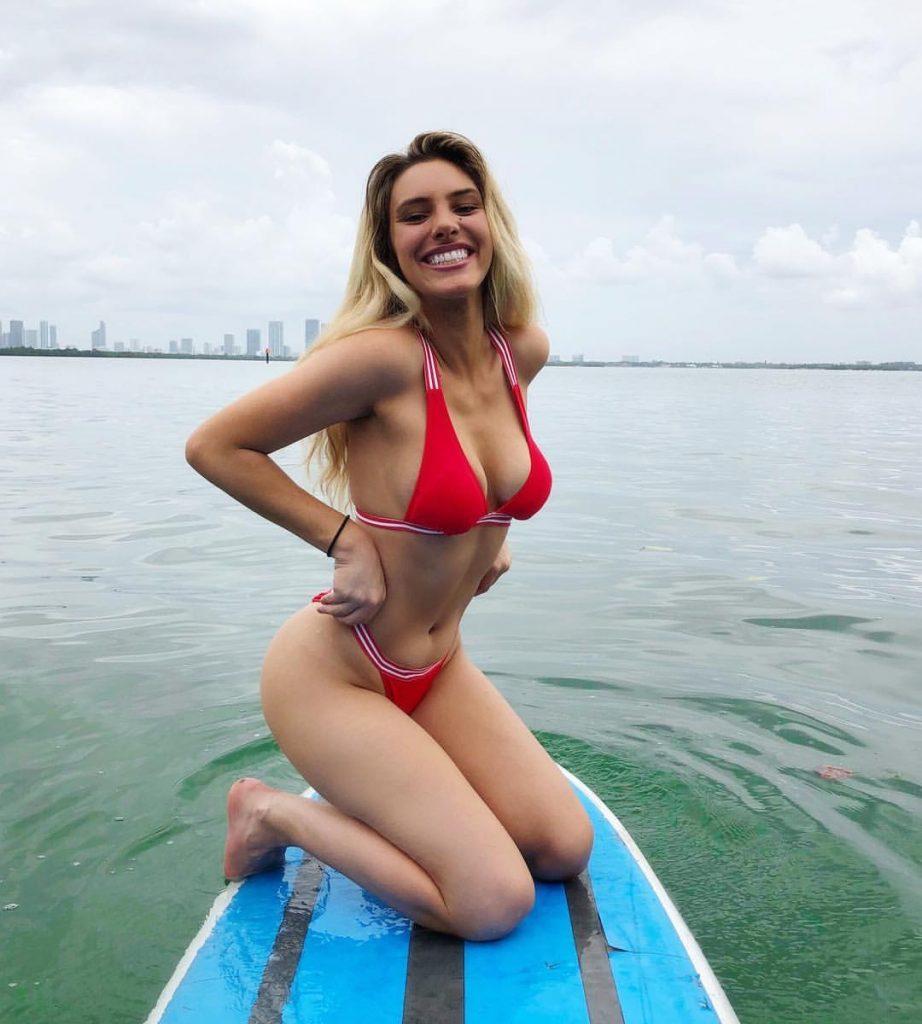 Lele Pons en bikini