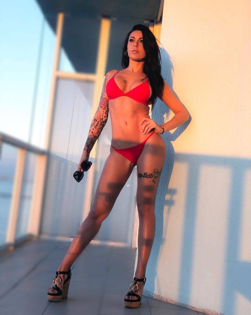 Shana Kress en bikini