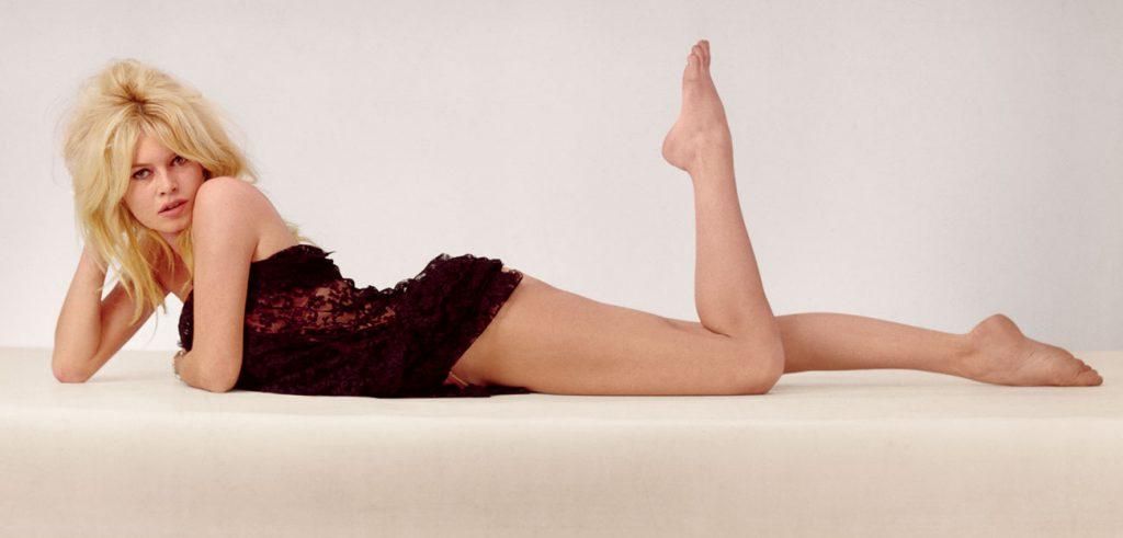 Brigitte Bardot en nuisette de dentelle