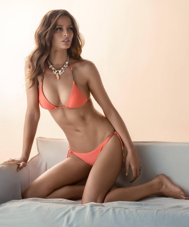 Flavia Lucini en bikini