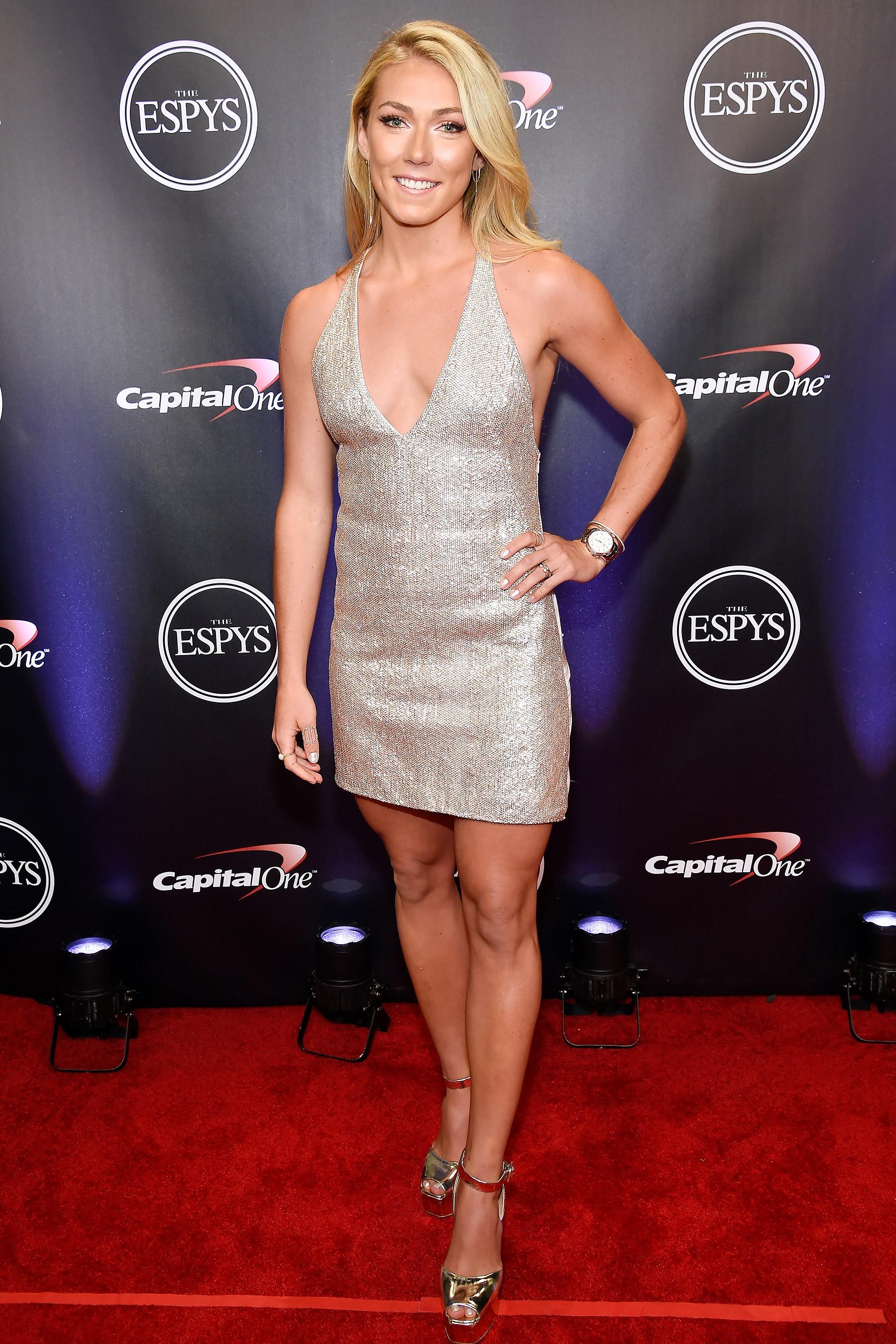 Mikaela Shiffrin en mini-robe décolletée