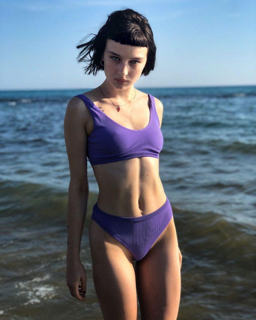 Alice Pagani en bikini