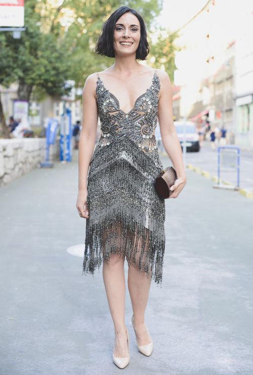 Melisa Sözen en robe très décolletée