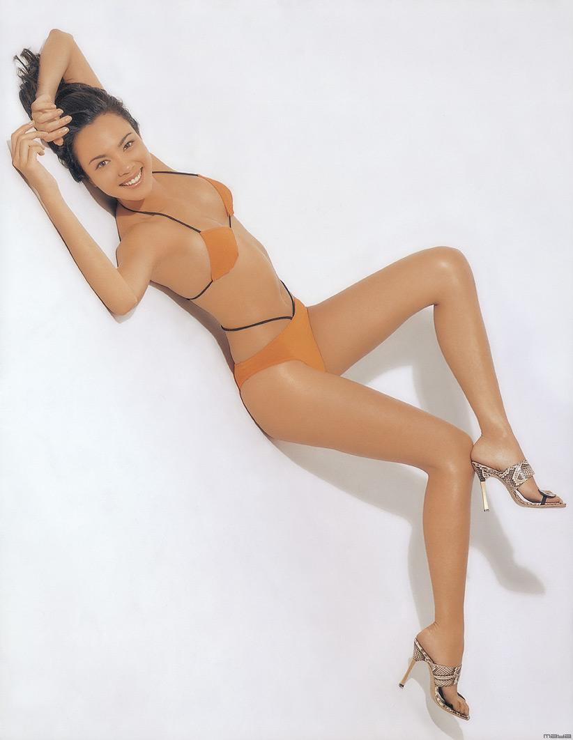 Sonia Couling en bikini