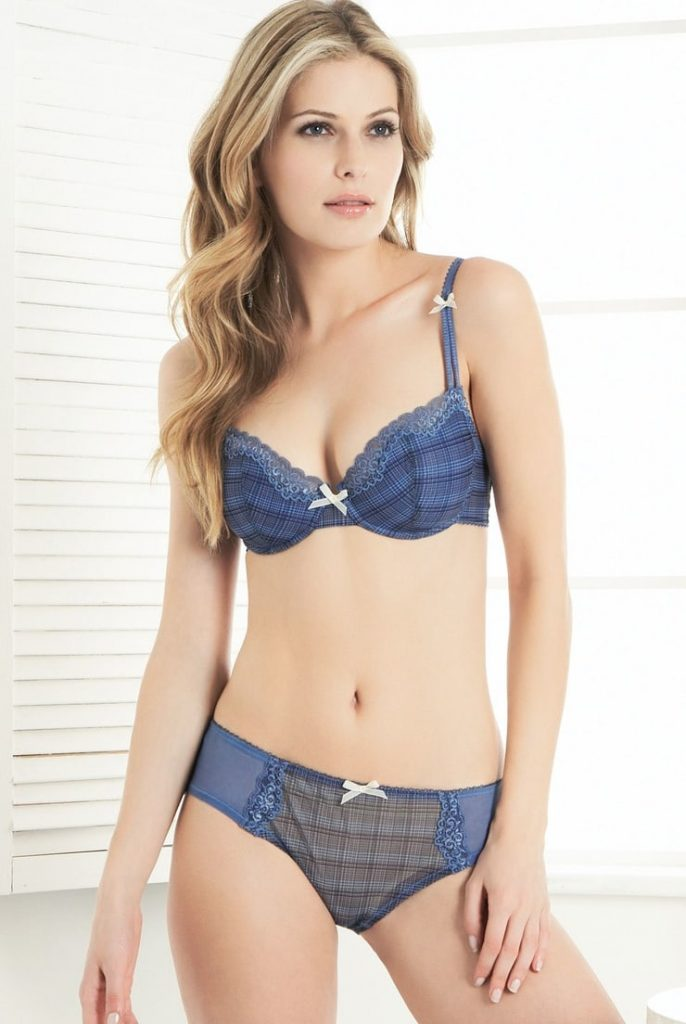 Amélie Honoré en lingerie