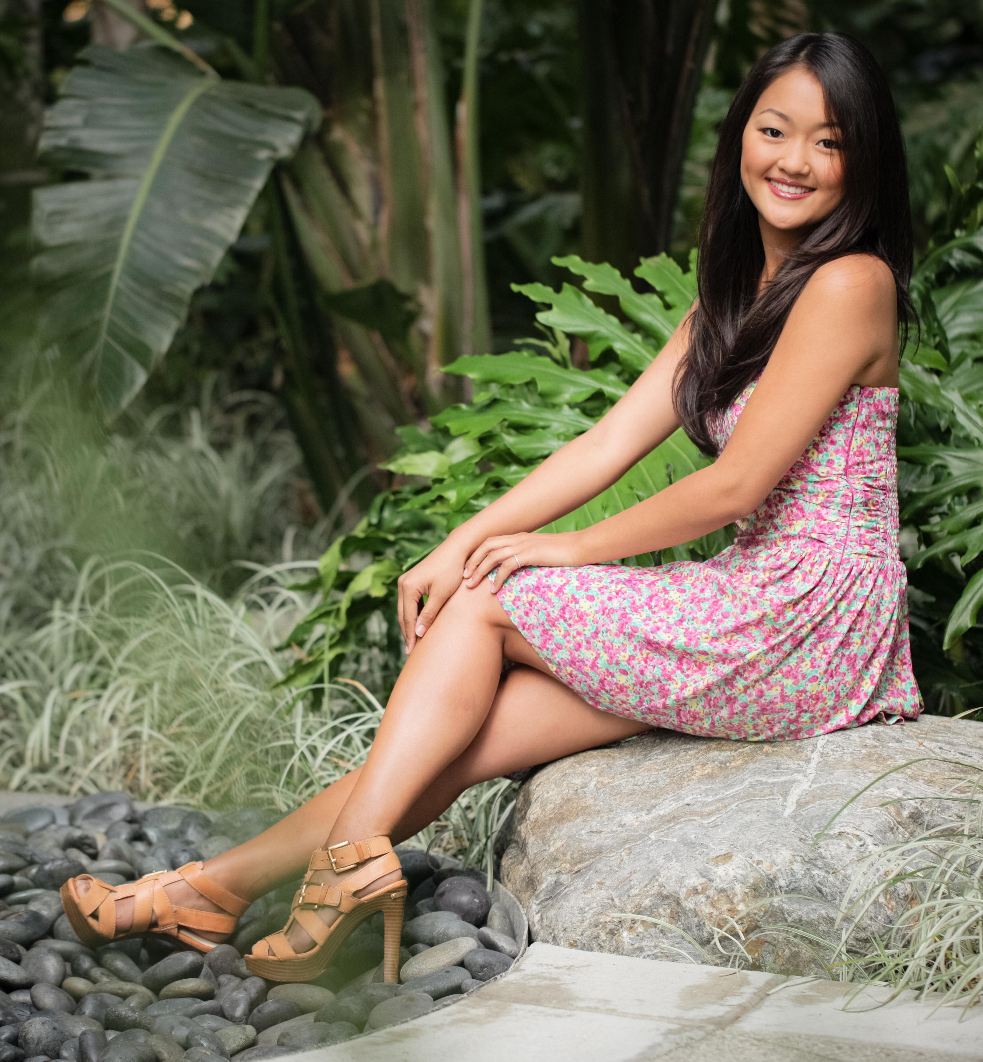 Amy Okuda en mini-robe