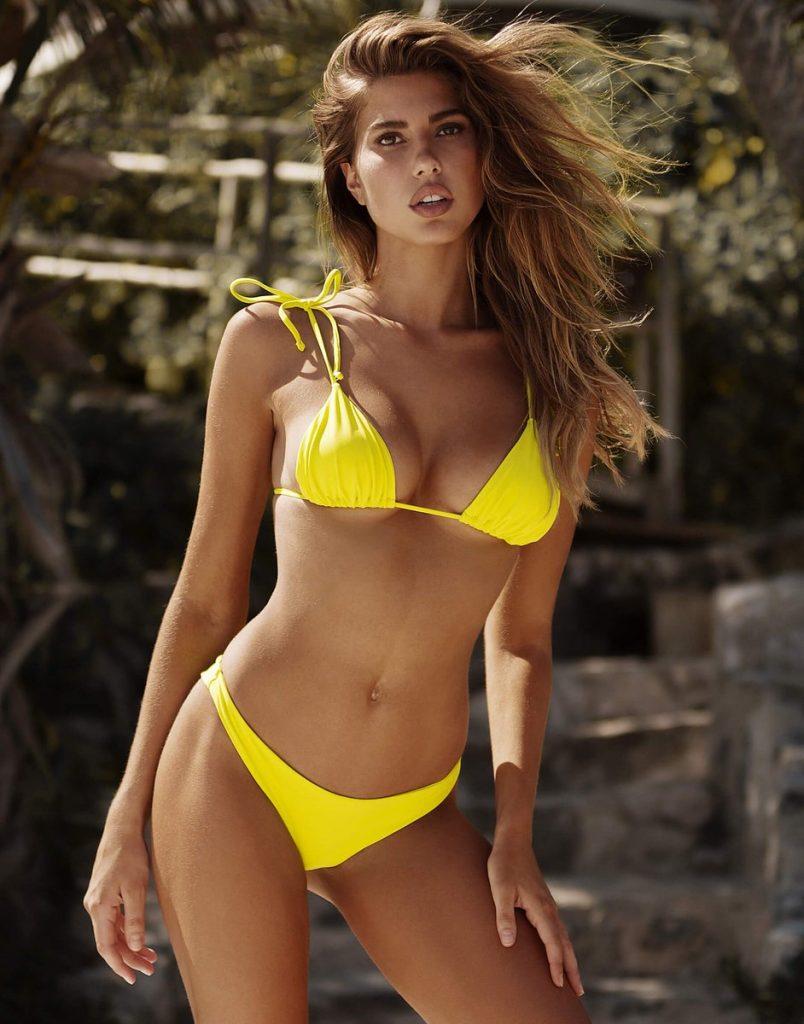 Kara Del Toro en bikini