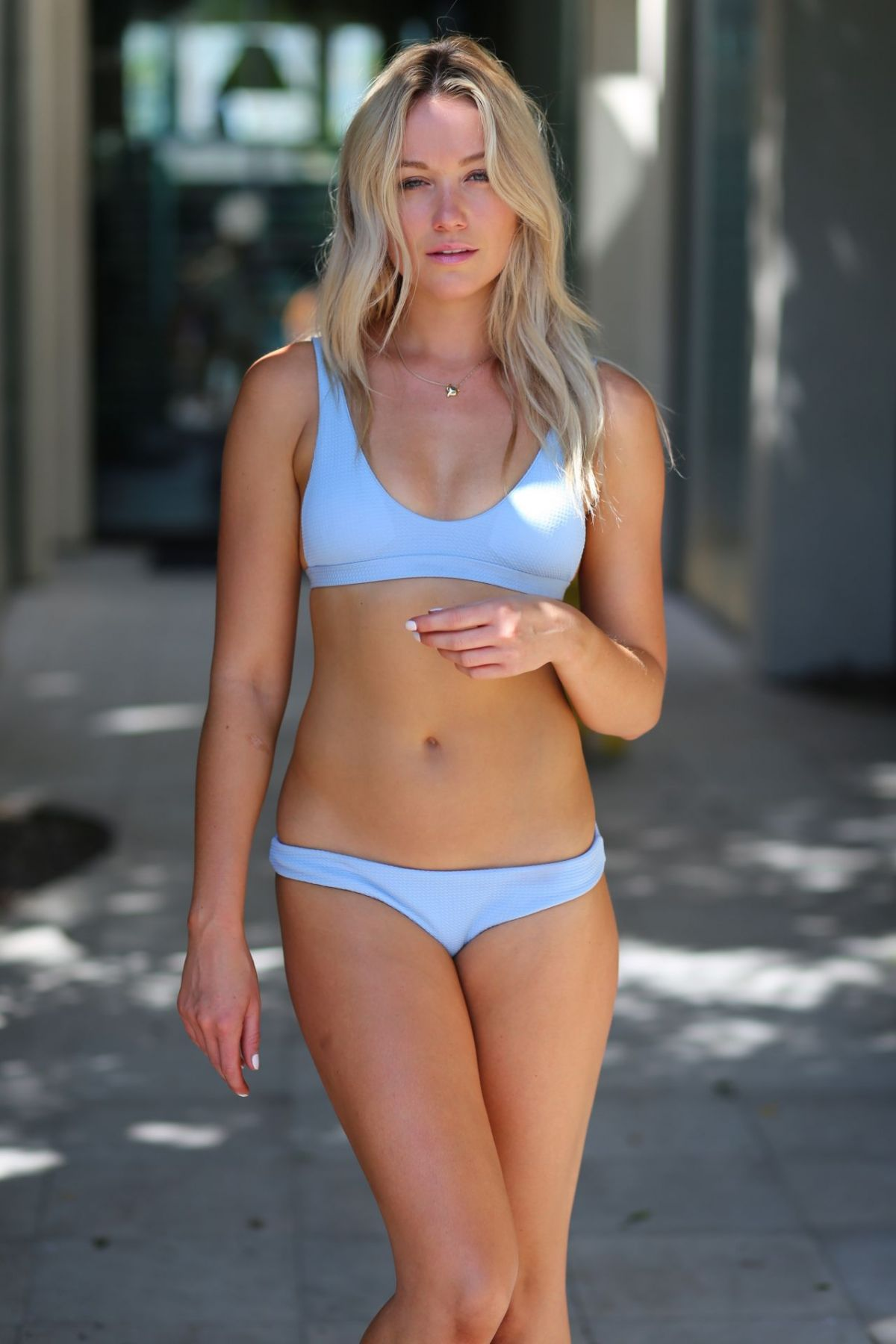Katrina Bowden en bikini