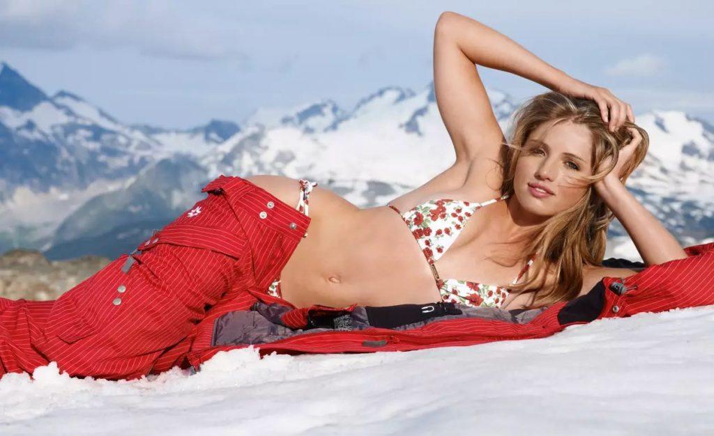 Clair Bidez en bikini