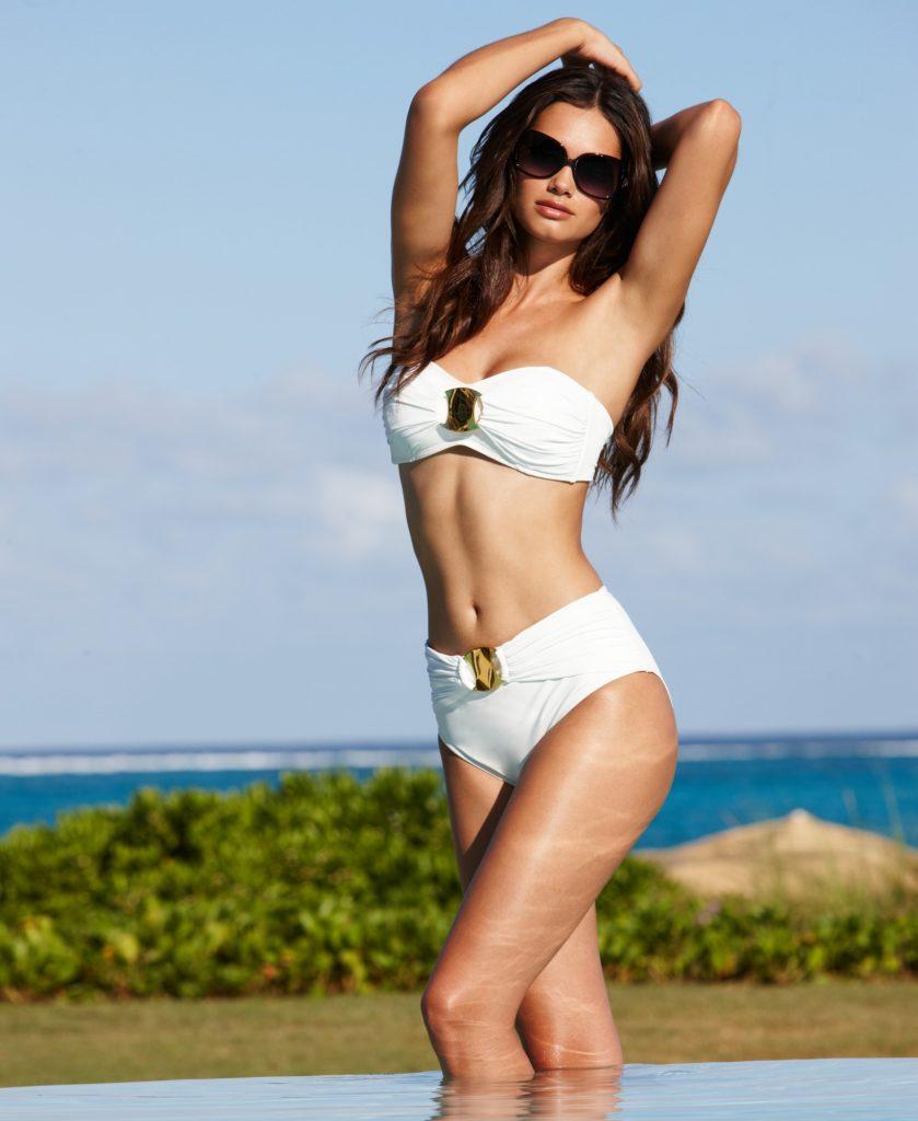 Lisalla Montenegro en bikini