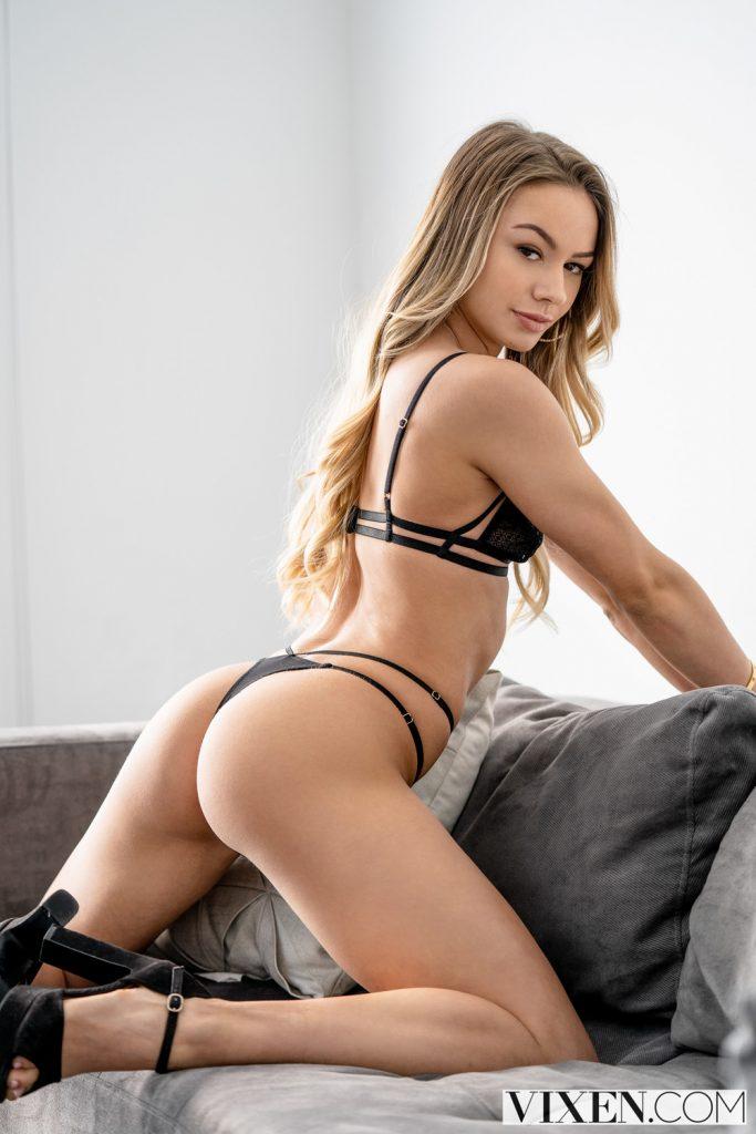 Naomi Swann en lingerie