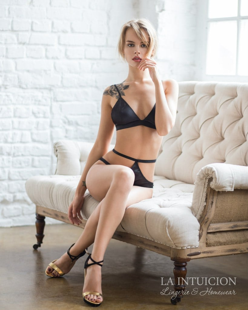 Anastasiya Shcheglova en lingerie