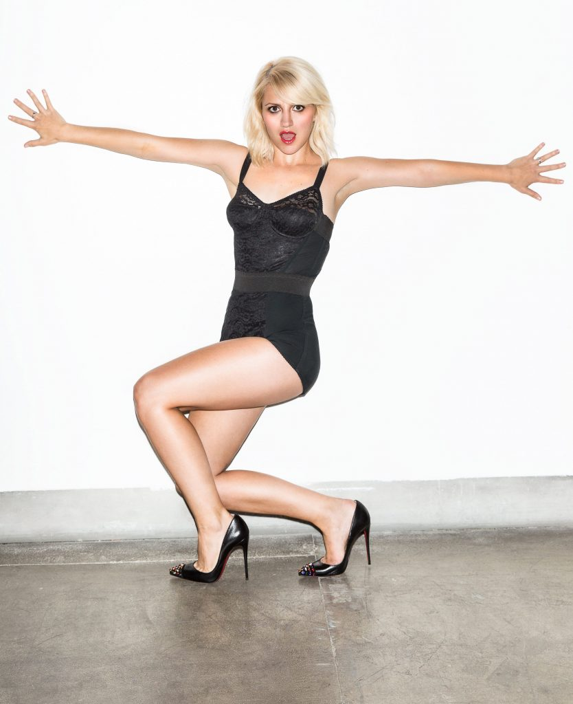 Annaleigh Ashford en body de dentelle