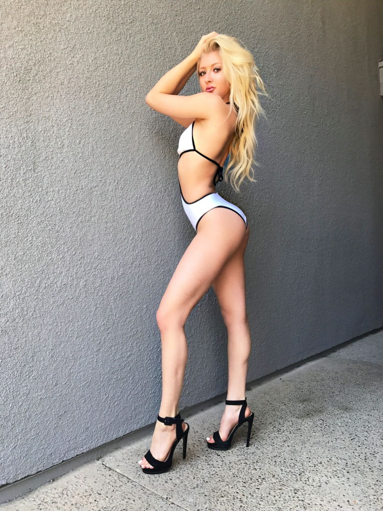 Marissa Heart en bikini