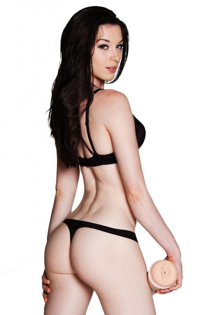 Stoya en lingerie