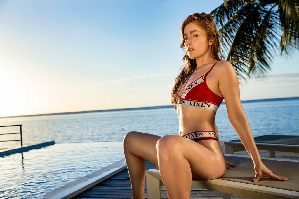 Jia Lissa en bikini