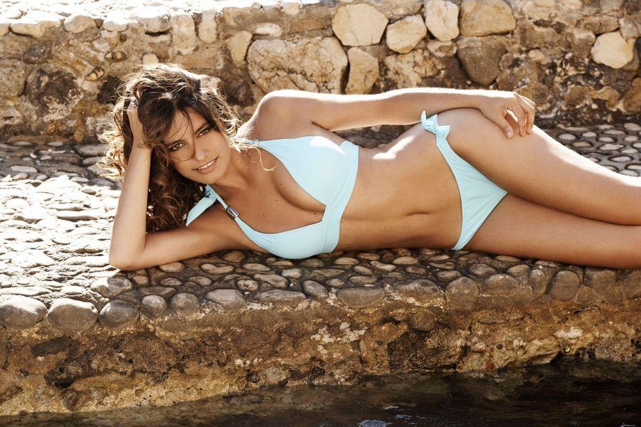 Laetitia Milot en bikini