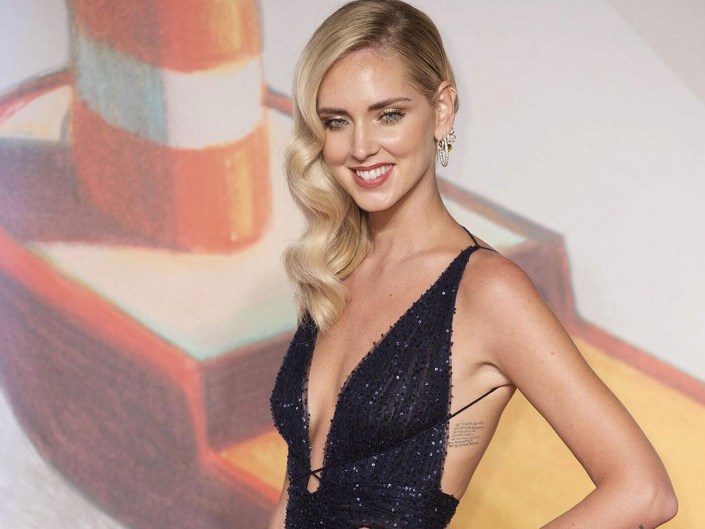 Chiara Ferragni en robe très décolletée