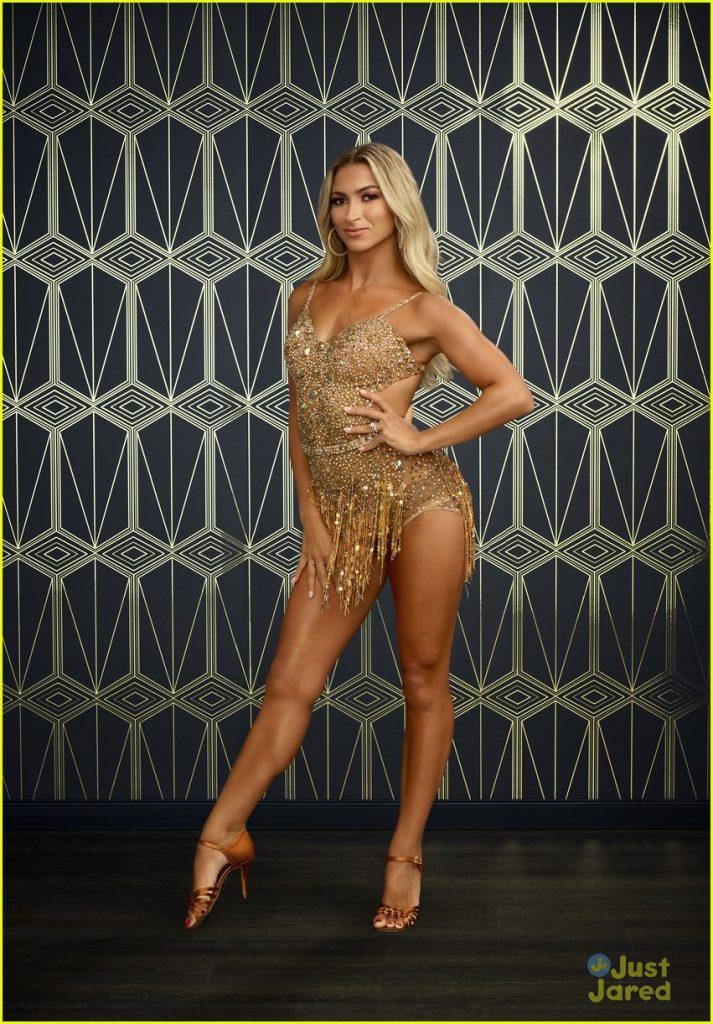 Daniella Karagach en mini-robe
