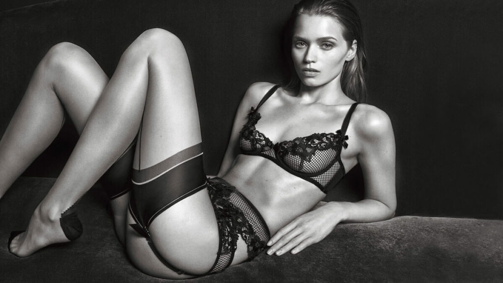 Abbey Lee Kershaw en lingerie