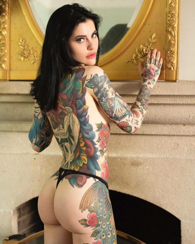 Aurore Pariente topless
