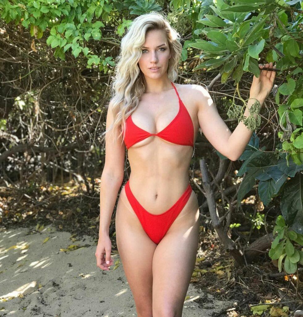 Paige Spiranac en bikini