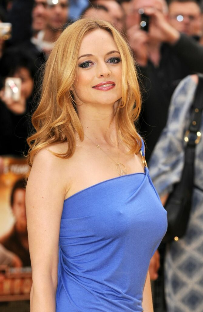 Heather Graham en robe moulante