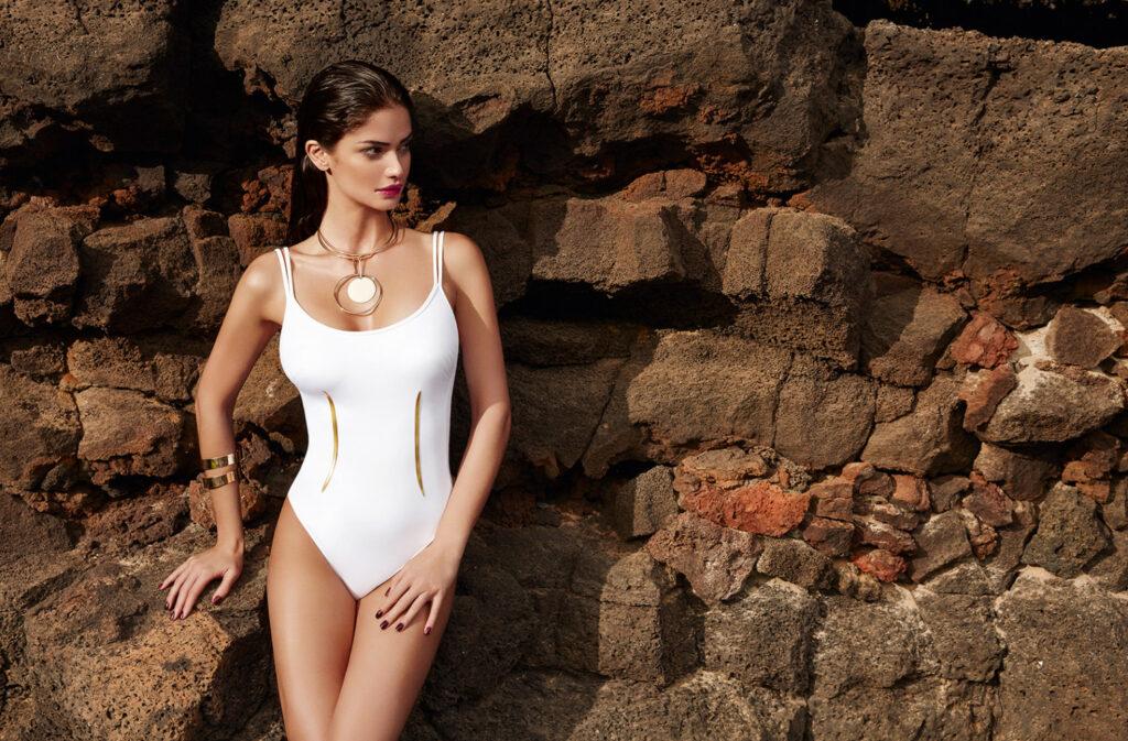 Shermine Shahrivar en maillot de bain