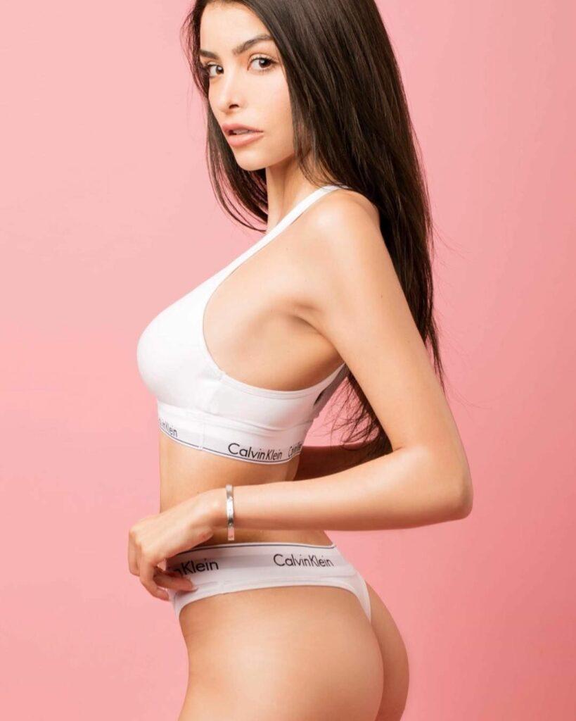 Céline Morel en lingerie