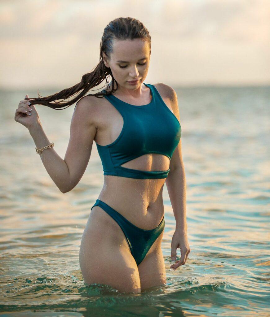 Kaisa Nord en bikini