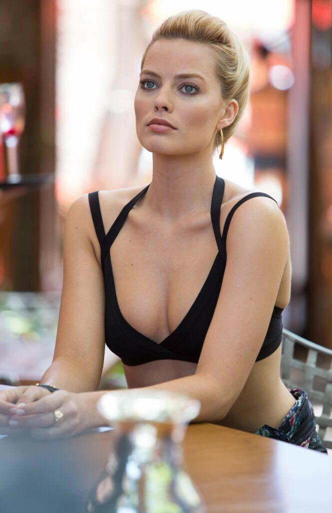 Margot Robbie en bikini