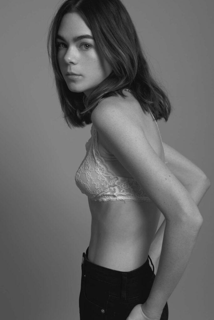 Ximena Lamadrid en soutien-gorge