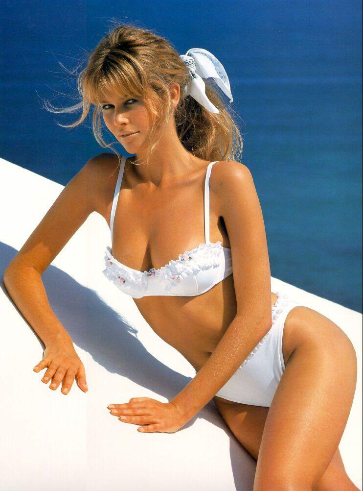 Claudia Schiffer en bikini